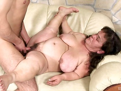 Mature Luggage Lola and her younger friend decide to fuck together