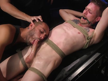 Strong gay gets his ass filled with a big Alex Killian's dick