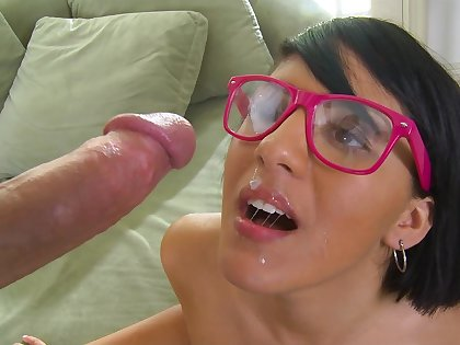 Lil Nerdy fucking and taking facial
