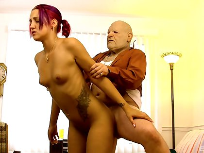Young bimbo Zoe Zebra gives it up to a much older gentleman