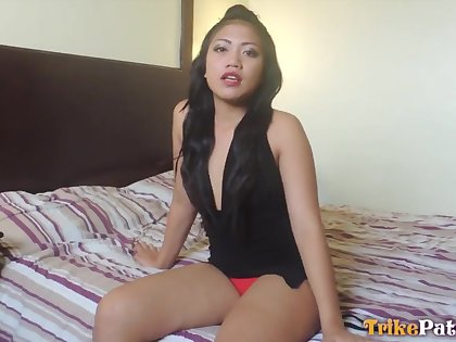 After playing beside a bauble Asian bitch beside broad in the beam ass Cloe gives man a urgency
