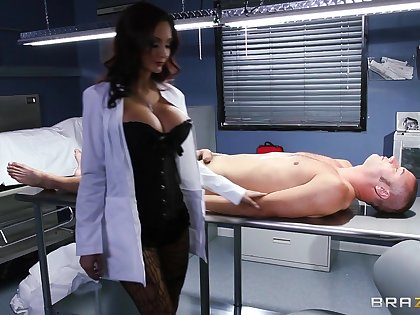 Hardcore fucking on the chair nearly feign pair Ava Addams