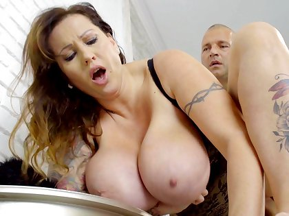Tall Hungarian MILF with huge natural chest loves to get fucked rightly