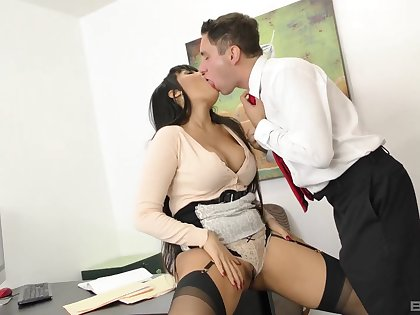 POV video of busty MILF Mercedes Carrera giving head and riding