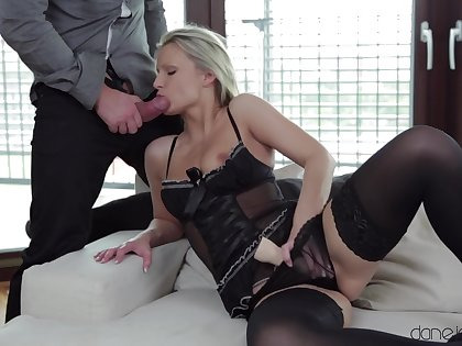 Sexy blondie Samantha Jolie double penetrated on touching a dick and a dildo