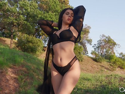 Aroused brunette removes trunks all over galvanize her pussy like a goddess
