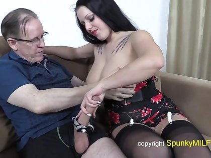 Old grandpa with strapping dick fucks busty whore