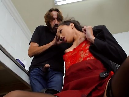 Boss Steve Holmes is fucking his hot scrimshaw Alexis Tae